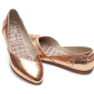 TOMS Jutti Pointed Flats in Rose Gold Leather